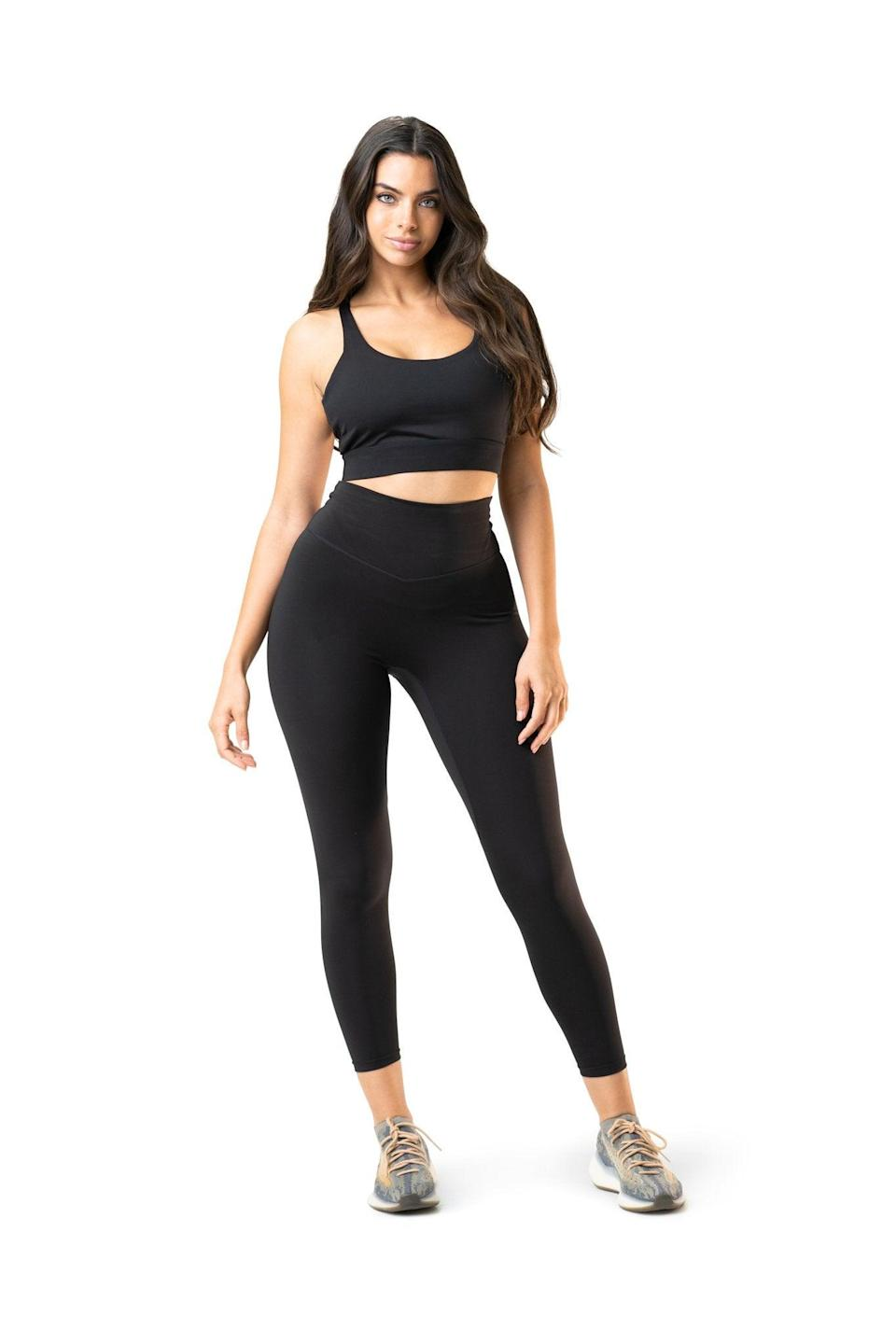 "<h2>Balance Athletica Tenacity Pant</h2><br>""I own a <em>lot</em> of pairs of basic black leggings. But when I find a pair I really love, I'll wear them to death — and that's exactly what I've been doing with these ones from Balance Athletica. They're made out of great material, don't sag down mid-workout (or ever), and look cute if you're just going out for a quick coffee run. 10/10 would recommend."" <em>— Elizabeth Gulino, health and wellness writer</em><br><br><strong>Balance Athletica</strong> Tenacity Pant, $, available at <a href=""https://go.skimresources.com/?id=30283X879131&url=https%3A%2F%2Fwww.balanceathletica.com%2Fcollections%2Foutlander-collection%2Fproducts%2Fthe-tenacity-pant-midnight"" rel=""nofollow noopener"" target=""_blank"" data-ylk=""slk:Balance Athletica"" class=""link rapid-noclick-resp"">Balance Athletica</a>"