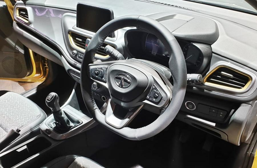 Inside, the design brief goes for squarish surfaces and sweeping lines. The sportier new look steering wheel looks good while there is a part-digital instrument cluster like in the Harrier. There is also a free-standing touchscreen and features like ambient lighting, cruise control, rear ac vents and even a 360 degree camera!