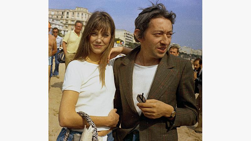 French singer Serge Gainsbourg and his girlfriend British actress Jane Birkin are seen in Cannes, France, as they attended the International Film FestivalCannes Serge Gainsbourg And Jane Birkin 1974, Cannes, France