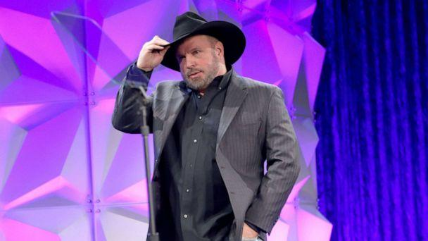 Garth Brooks removes himself from CMA Awards Entertainer of the Year consideration