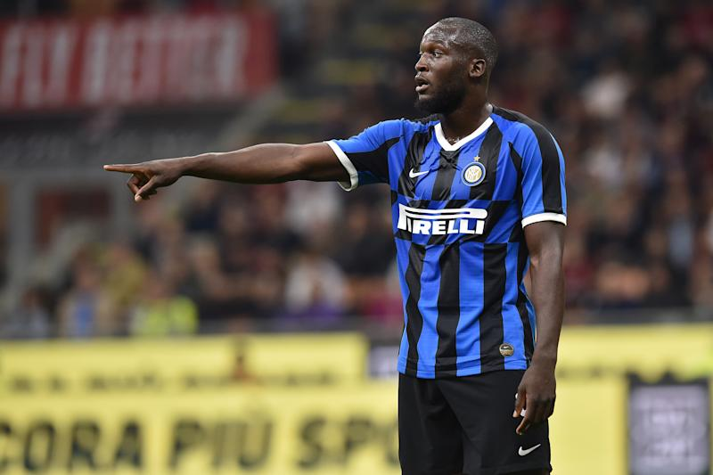 MILAN, ITALY - SEPTEMBER 21: Romelu Lukaku of Internazionale gestures during the Serie A match between AC Milan and FC Internazionale at Stadio Giuseppe Meazza on September 21, 2019 in Milan, Italy. (Photo by Tullio M. Puglia/Getty Images)