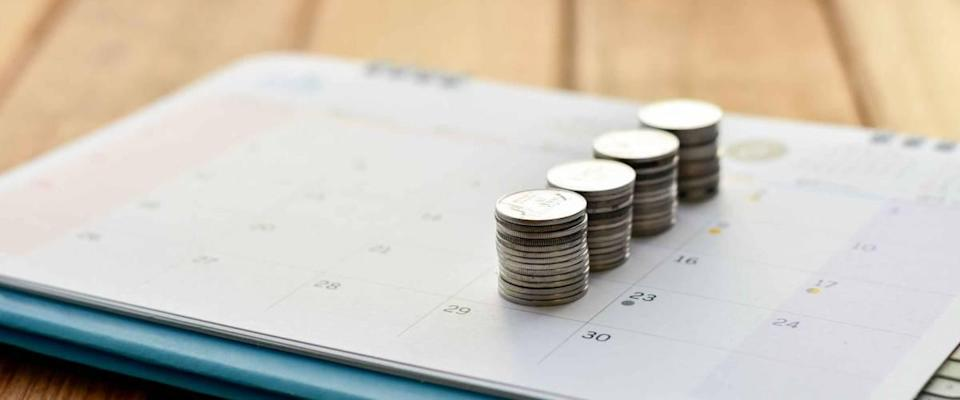 Plan save money to account in weekly dollar cost average term