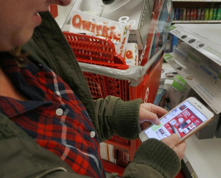 Nearly 40 percent of online purchases on Black Friday in the United States were made from smartphones, according to Adobe Analytics