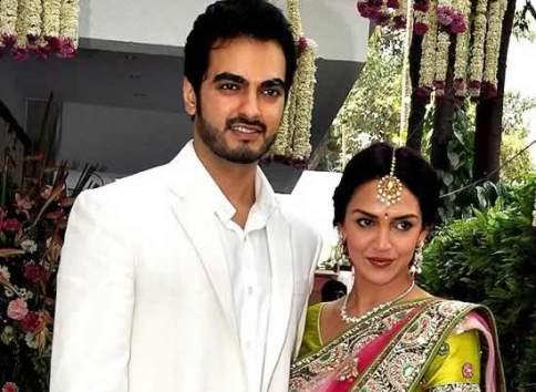 The bride Esha Deol , her mother, and other ladies of the family will all wear Kanjivaram saris. There is no fancy designer trousseau. it will a traditional kanjivaram saree.