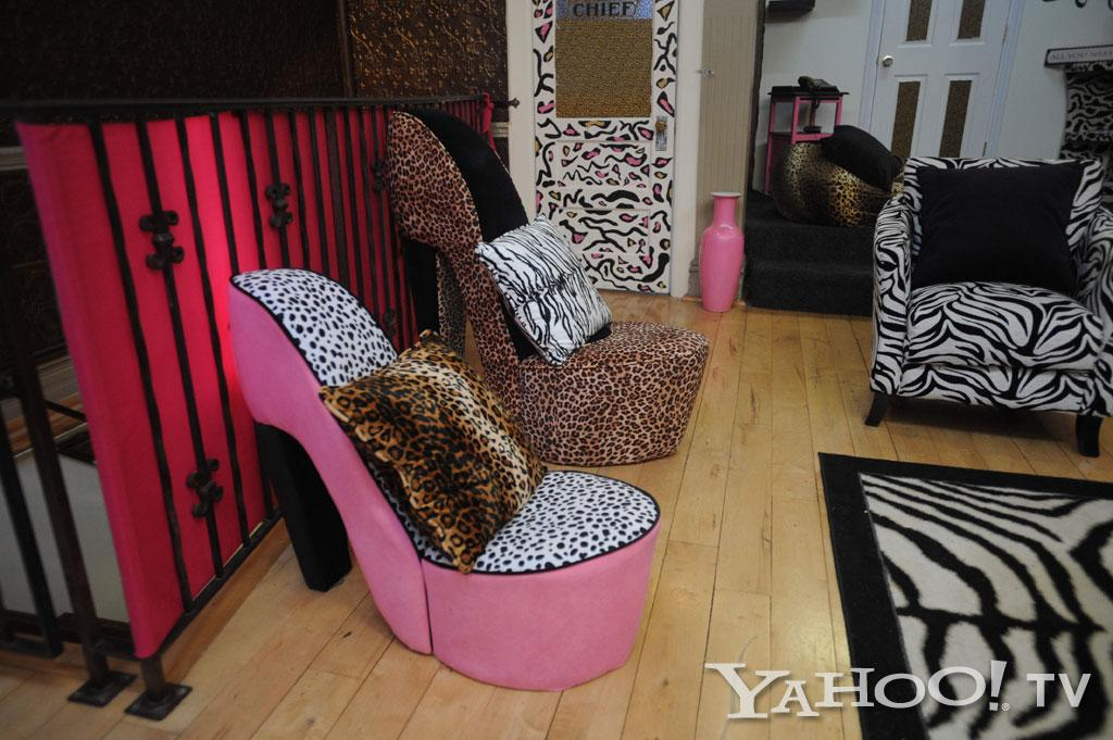 "Both Nicole and Jenni picked out and bought everything for their new pad, including these stiletto chairs they found in Jersey City.<br><br><a href=""http://tv.yahoo.com/photos/snooki-and-j-woww-1338597654-slideshow/"">See more ""Snooki & JWoww"" photos</a>"