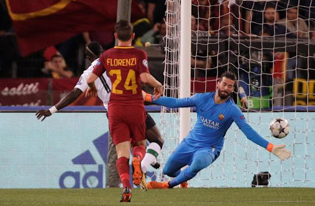 Soccer Football - Champions League Semi Final Second Leg - AS Roma v Liverpool - Stadio Olimpico, Rome, Italy - May 2, 2018 Liverpool's Sadio Mane scores their first goal REUTERS/Max Rossi
