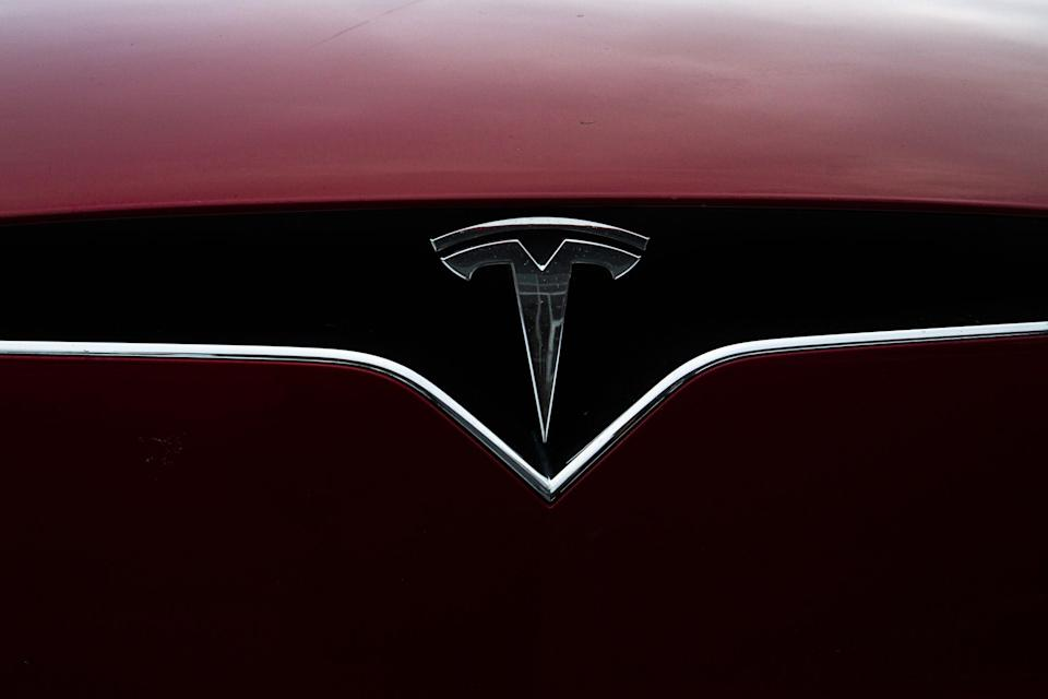 Tesla's 3-Day Correction Approaches 20% as Rally Pauses