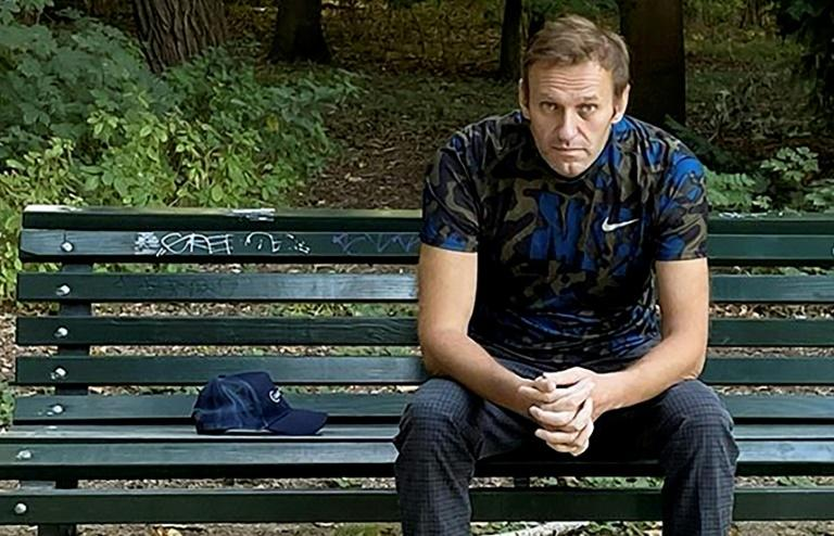 Navalny discharged from hospital, eyes full recovery