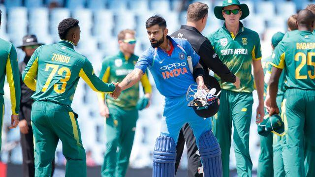 Cricket greats slam 39 farcical 39 end to south africa india odi for Farcical run out