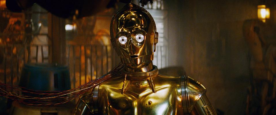 C-3PO's mind is going in a pivotal scene from 'Star Wars: The Rise of Skywalker' (Photo: Walt Disney Studios Motion Pictures / © Lucasfilm / courtesy Everett Collection)