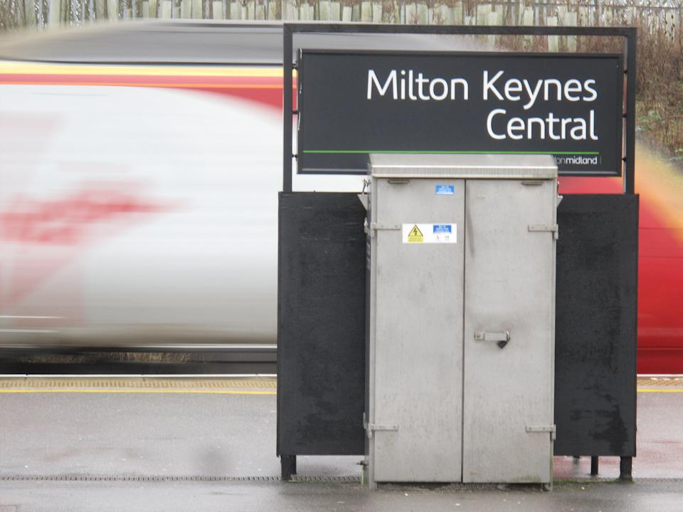 Fare's fair? Part-time commuters using Milton Keynes Central stand to benefit from flexi season tickets (file photo) (Simon Calder)