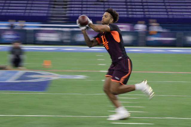 Alabama tight end Irv Smith Jr. runs a drill during the NFL scouting combine (AP Photo)