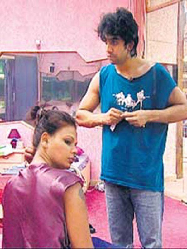 <p><strong>Image courtesy : iDiva.com</strong></p><p><strong>The Hero</strong>: Amit Sadh<br /><strong>The Heroine</strong>: Rakhi Sawant<br /><strong>Love story</strong>: The item girl fell in love with 'angry young man' Amit in season 1, but was completely heartbroken when the latter didn't even acknowledge her. Amit was then dating Neeru Bajwa and ignored Rakhi.<br /><strong>Climax</strong>: The one-sided love story ended with Rakhi finally accepting the fact that Amit did not love her. Later she told everyone that she already had a boyfriend!</p><p><strong>Related Articles - </strong></p><p><a href='https://ec.yimg.com/ec?url=http%3a%2f%2fidiva.com%2fnews-entertainment%2fbigg-boss-season-6-contestants-karishma-kotak-and-vishal-karwal-are-dating%2f20738%26%23x27%3b&t=1506307326&sig=5o.JHqVmwwMXnEiTkgfzUA--~D target='_blank'>Bigg Boss Season 6 Contestants Karishma Kotak and Vishal Karwal are Dating!</a></p><p><a href='http://idiva.com/photogallery-entertainment/bigg-boss-7-scandalous-details-about-the-inmates/24497' target='_blank'>Bigg Boss 7: The Inmates and Their Scandalous Pasts</a></p>