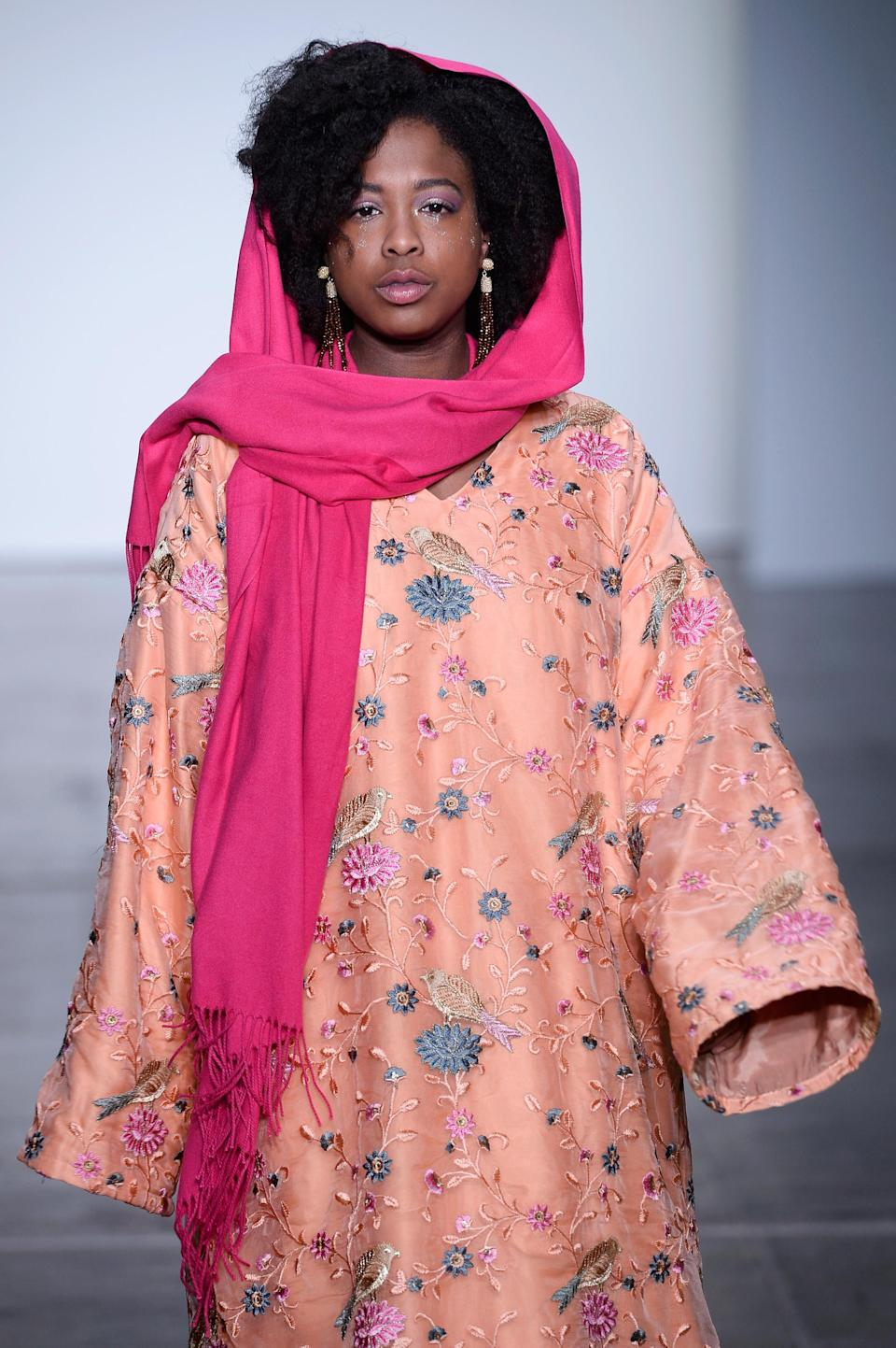 <p>Even with a headscarf, this is a natural hair moment worth noting. (Photo: Getty Images) </p>