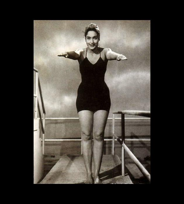 Nutan was among the first of Bollywood heroines to take a plunge into the waters in a bikini. The year was 1958. The movie Dilli Ka Thug
