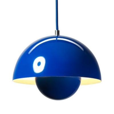 Flowerpot pendant light (Credit: Beautiful Halo)