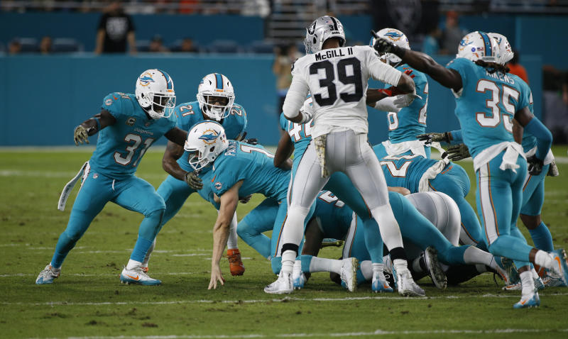 Onside kicks have become very hard to recover under new safety rules. (AP Photo/Wilfredo Lee)