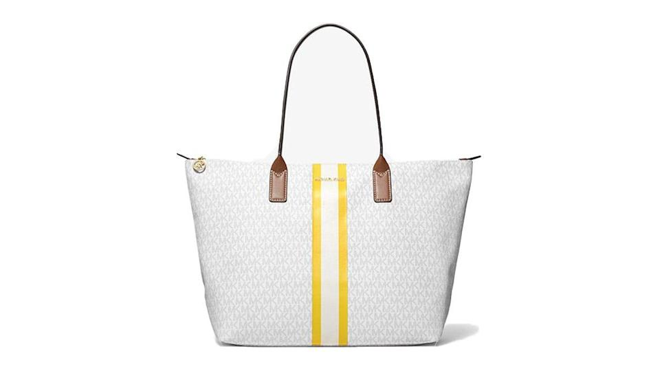 This tote has style to spare.