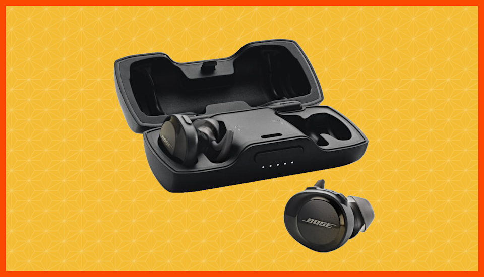 Save $40 on these Bose SoundSport Free wireless earbuds—and delight an audiophile. (Photo: Bose)