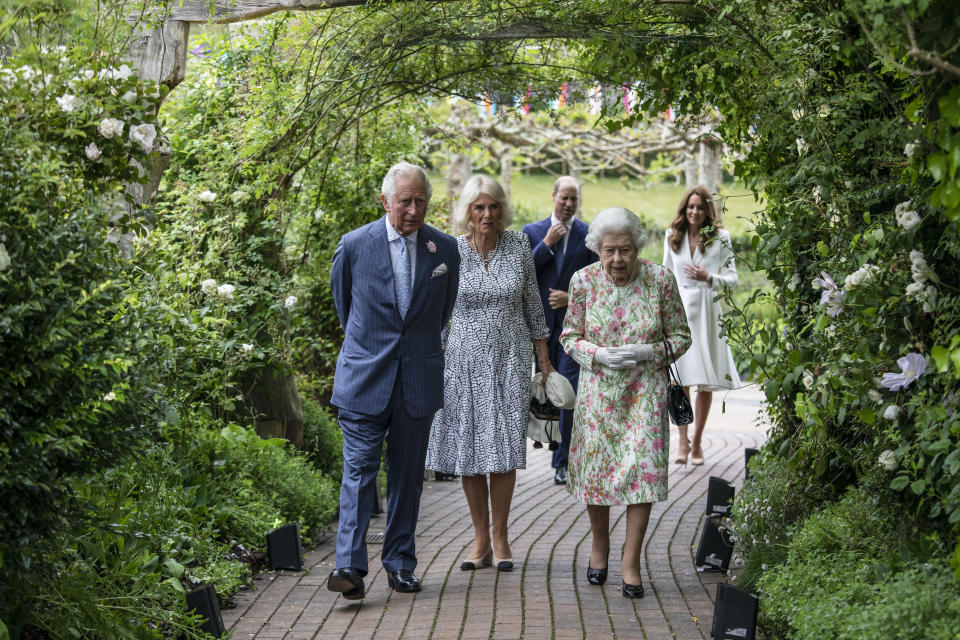 ST AUSTELL, ENGLAND - JUNE 11: Prince Charles, Prince of Wales, Camilla, Duchess of Cornwall, Queen Elizabeth II, Prince William, Duke of Cambridge and Catherine, Duchess of Cambridge arrive for a drinks reception for Queen Elizabeth II and G7 leaders at The Eden Project during the G7 Summit on June 11, 2021 in St Austell, Cornwall, England. UK Prime Minister, Boris Johnson, hosts leaders from the USA, Japan, Germany, France, Italy and Canada at the G7 Summit. This year the UK has invited India, South Africa, and South Korea to attend the Leaders' Summit as guest countries as well as the EU. (Photo by Jack Hill - WPA Pool / Getty Images)