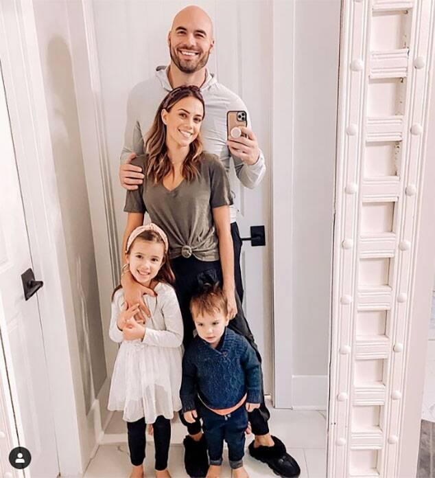 Jana Kramer, Kids, Mike Caussin