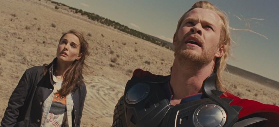 Natalie Portman and Hemsworth in one of the many dutch angle shots seen in 'Thor' (Photo: Marvel/YouTube)