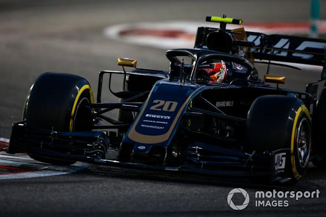 """Kevin Magnussen, Haas F1 Team VF-19 <span class=""""copyright"""">Andrew Hone / Motorsport Images</span>"""
