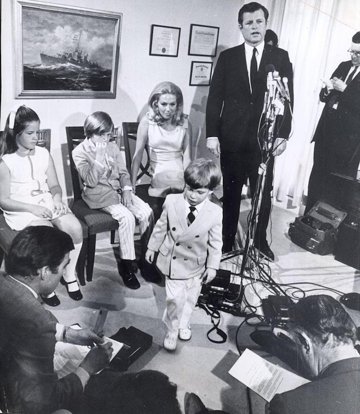 Sen. Edward Kennedy announces he will run for re-election of his Senate seat on June 11, 1970 in Boston, Mass., during a press conference attended by daughter Kara, 10; son Ted Jr., 8; Patrick, 3; and wife Joan Kennedy. (Photo: Charles Dixon/The Boston Globe via Getty Images)