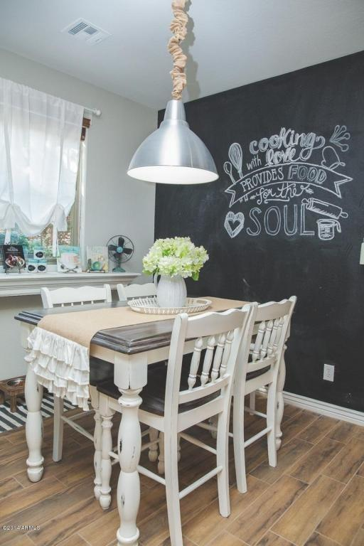 """<p><b><b>Fad to ditch from 2015:</b> Chalkboard paint</b><br></p><p>Chalkboards smudge easily, and unless decorated with perfect handwriting, are usually not the best way to label household items. This trend is not built to last in 2016. <i>Courtesy of <a href=""""http://www.zillow.com/digs/traditional-dining-rooms-5997630561/"""" rel=""""nofollow noopener"""" target=""""_blank"""" data-ylk=""""slk:Zillow Digs"""" class=""""link rapid-noclick-resp"""">Zillow Digs</a>.</i></p>"""