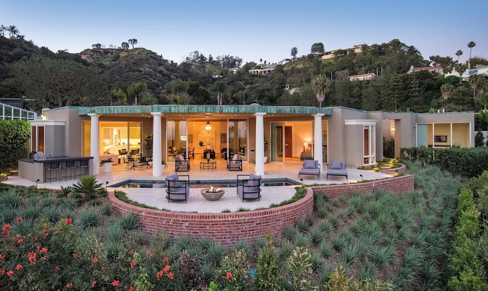 Designed by John Elgin Woolf, this home was later restored by Marmol Radziner.