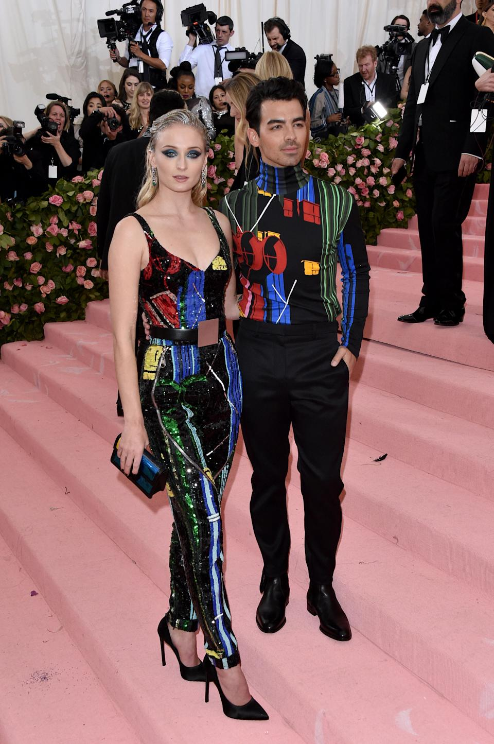 """<h1 class=""""title"""">Sophie Turner in Louis Vuitton and Joe Jonas in Louis Vuitton wearing a Narcisa Pheres pinky ring</h1><cite class=""""credit"""">Photo: Getty Images</cite>"""