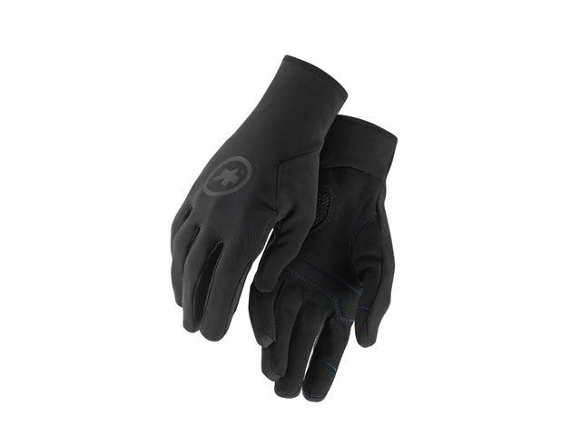 Keep a wintery chill and ice cold winds off your hands with this pair of glovesAssos