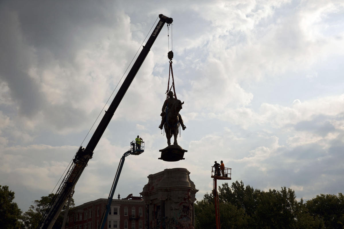 Number of Confederate monuments linked to number of lynchings, study finds
