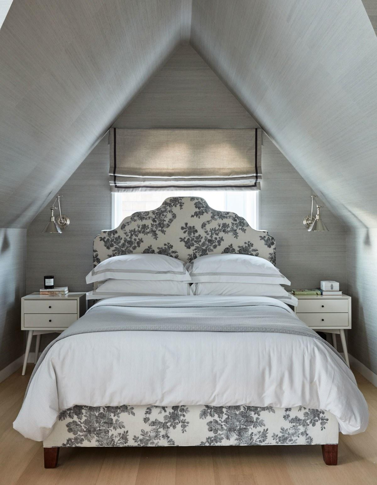 """<div class=""""caption""""> Catherine Kwong installed sconces above the nightstands in this <a href=""""https://www.architecturaldigest.com/story/catherine-kwong-house-san-francisco?mbid=synd_yahoo_rss"""" rel=""""nofollow noopener"""" target=""""_blank"""" data-ylk=""""slk:San Francisco bedroom"""" class=""""link rapid-noclick-resp"""">San Francisco bedroom</a>. </div> <cite class=""""credit"""">Photo: John Merkl</cite>"""