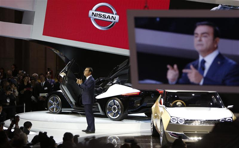Nissan Chief Executive Officer Carlos Ghosn speaks at the 43rd Tokyo Motor Show