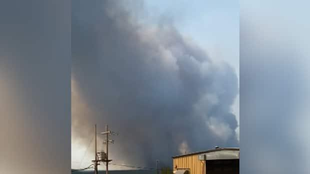 A forest fire is burning in the vicinity of the Cigar Lake uranium mine in northern Saskatchewan.  (Submitted by Moriah Dyck - image credit)