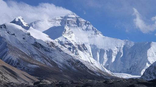 Even if Paris climate agreement goals are met, scientists say the Himalayas are set to lose more than 30 percent of their glaciers by 2100.