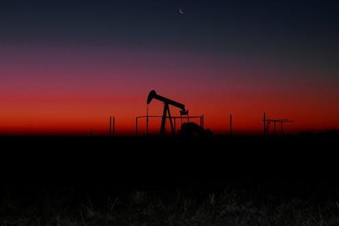 """<span class=""""caption"""">Oil and gas extraction can have dire consequences for the countries in which it takes place.</span> <span class=""""attribution""""><a class=""""link rapid-noclick-resp"""" href=""""https://pixabay.com/photos/industry-sunset-fossil-fuel-3197398/"""" rel=""""nofollow noopener"""" target=""""_blank"""" data-ylk=""""slk:ARMBRUSTERBIZ/Pixabay"""">ARMBRUSTERBIZ/Pixabay</a></span>"""