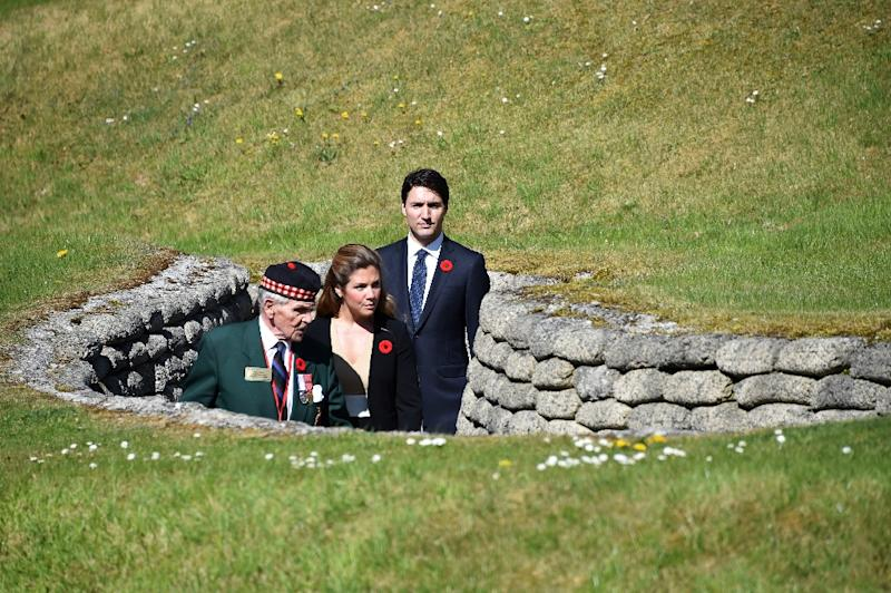 Canadian Prime Minister Justin Trudeau and his wife Sophie Gregoire, visiting the Canadian National Vimy Memorial (AFP Photo/Philippe HUGUEN)