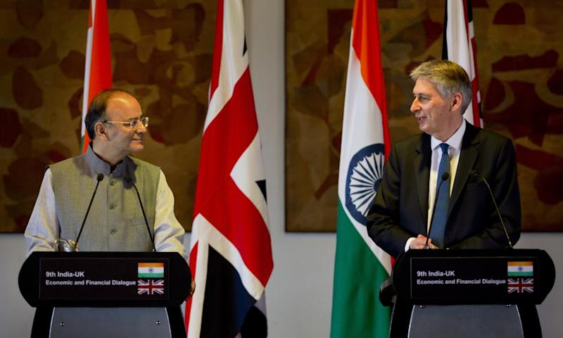 Philip Hammond and Indian finance minister Arun Jaitley hold a joint press conference in Delhi