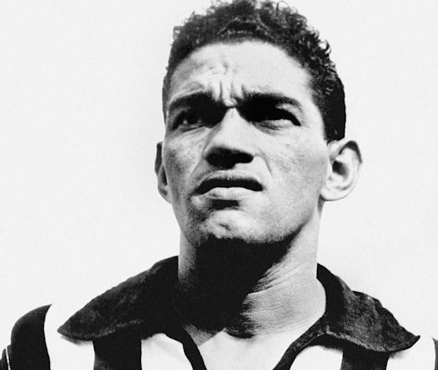 He lived the dream as a globetrotting pro for two decades, yet incredibly this man could barely kick a ball. FFT meets the maverick Brazilian who used every trick going to dupe his clubs coaches, team-mates and fans