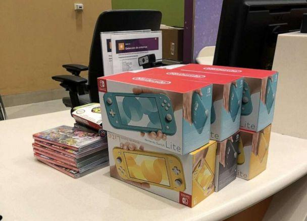 PHOTO: Hunter Kahn, a 20-year-old college student from Minnesota, was among the renegade investor group that scored big by buying stock in GameStop and using some of his returns to buy Nintendo games for Children's Hospital in Minneapolis.  (Courtesy Hunter Kahn)