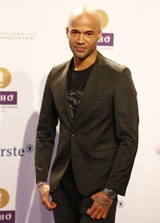 Singer Mr. Probz arrives on the red carpet for the Echo Music Awards ceremony in Berlin