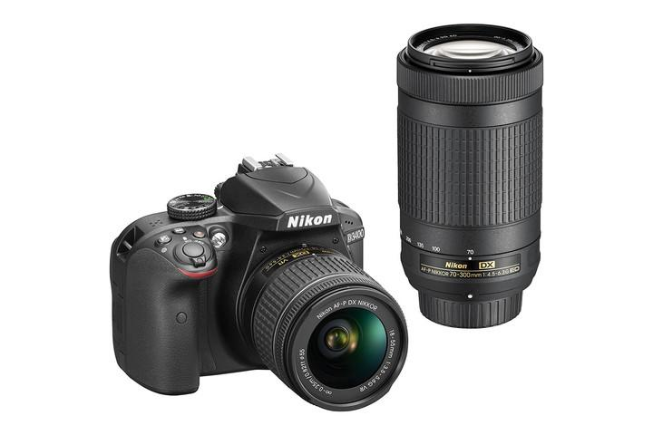 NIKON D3400 CAMERA WITH 18-55MM F/3.5-5.6G LENS AND A 32GB MEMORY CARD