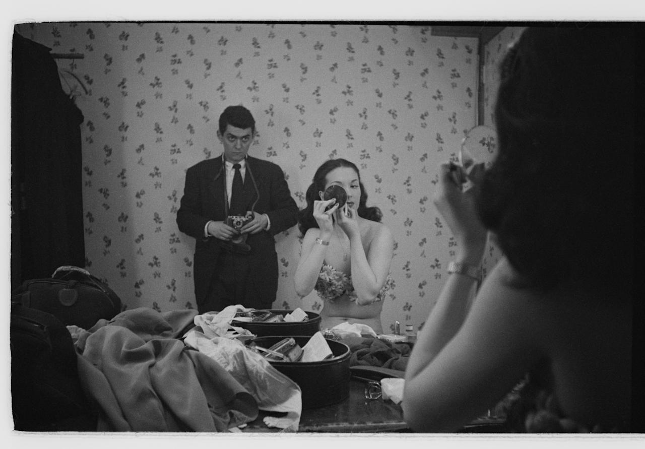Stanley Kubrick. Rosemary Williams, Show Girl. 1949. Museum of the City of New York. The <em>Look</em> Collection. Used with permission of Museum of the City of New York and SK Film Archives.