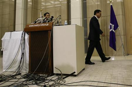 Tokyo Governor Naoki Inose leaves a news conference at Tokyo Metropolitan Government Office in Tokyo