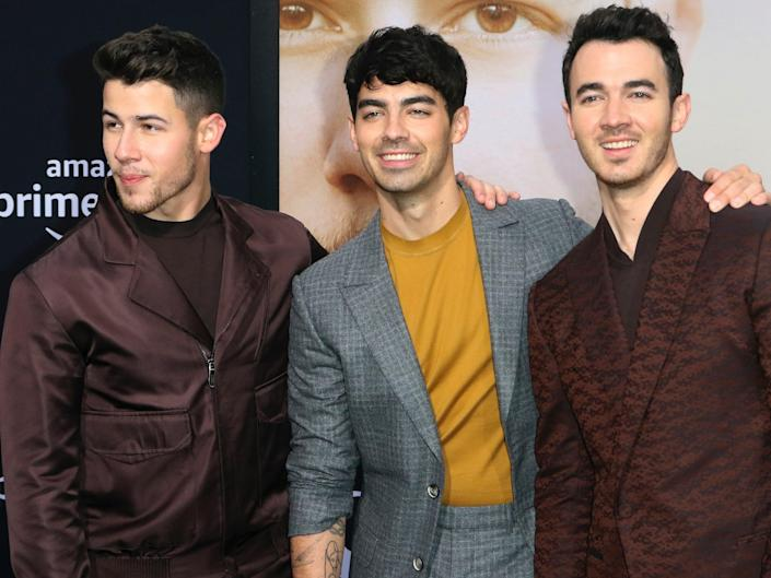 jonas brothers chasing happiness premiere june 2019