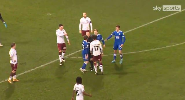 Referee Darren Drysdale embroiled in confrontation with Ipswich�s Alan Judge