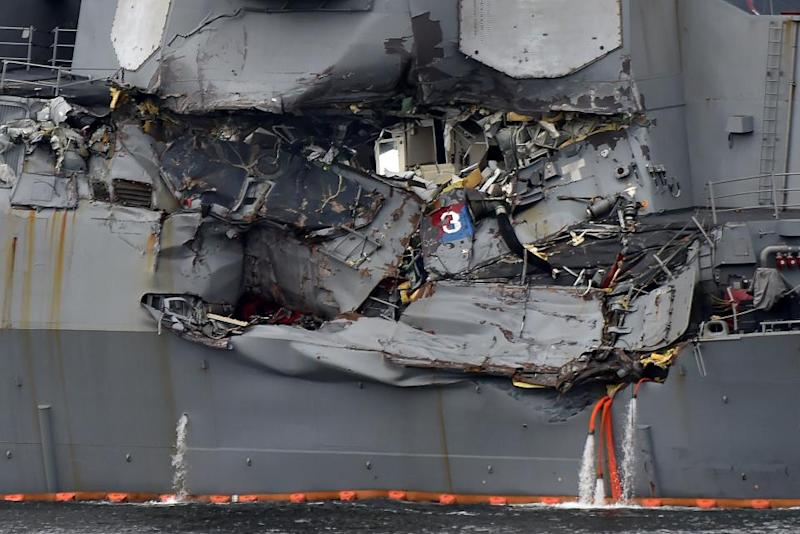 USS Fitzgerald damage