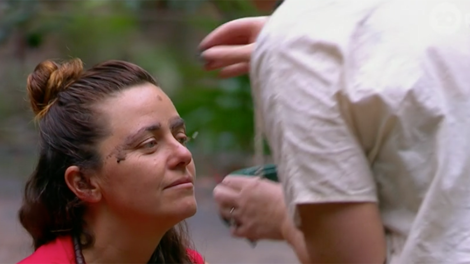 Jess Eva does Toni Pearen's eyebrows using fire charcoal on I'm a Celeb
